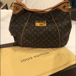 Louis Vuitton Galleria GM Handbag